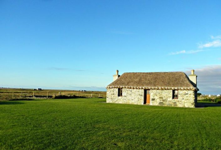 Uist Holiday Cottage clear blue skies